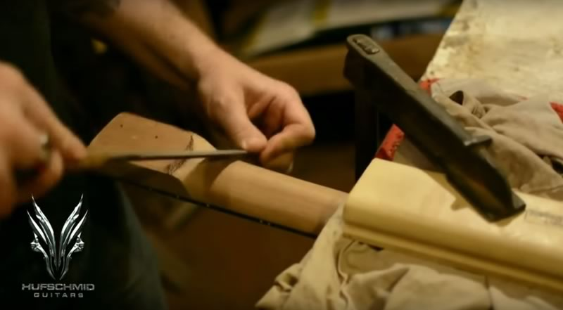ギター制作をタイムラプス動画で紹介!