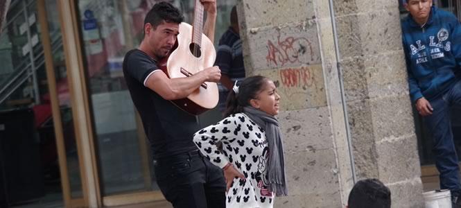 ストリートミュージシャンもいっぱい